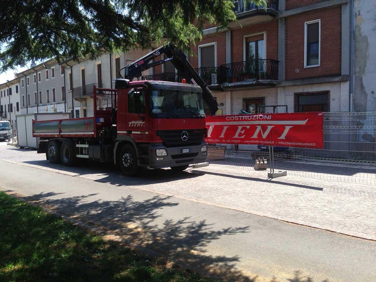Costruzioni Tieni 1836 | Edilizia Pubblica: cantiere a San Giovanni Lupatoto per rifare la pavimentazione della Piazza Umberto I