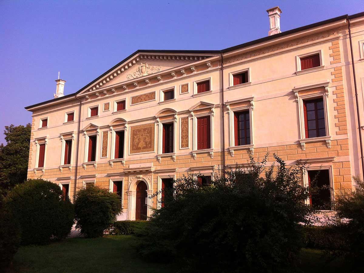 Costruzioni Tieni 1836 | Edilizia Pubblica: Villa Gobetti